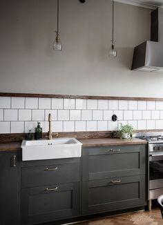 Choosing New Kitchen Cabinets Home Decor Kitchen, Interior Design Kitchen, Kitchen And Bath, New Kitchen, Home Kitchens, Kitchen Dining, Olive Kitchen, Kitchen Wood, Grey Shaker Kitchen