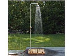 10 Easy Pieces: Instant Outdoor Showers (Just Add Garden Hose): Gardenista