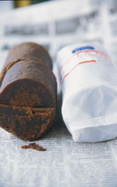 GULA JAWA (Indonesian Palm Sugar) This firm-textured sugar is made from the boiled-down sap of the Javanese sugar palm