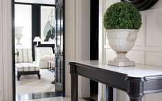 Photo shoot at Luis Bustamante Studio. Black And White Interior, Black White, Small Entryways, Entry Hall, Entrance, Elegant Homes, Decoration, Interior Inspiration, Living Room Decor