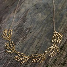 filament gold necklace