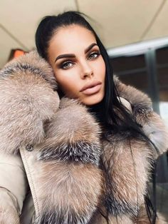 Fox Fur Coat, Fur Coats, Self Styled, Lady Luxury, White Face Mask, Fur Fashion, Beauty Queens, Furs, Fur Trim