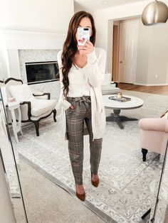 office outfits for young professionals Business Professional Outfits, Professional Dresses, Business Casual Outfits, Business Attire, Business Chic, Business Formal, Professional Women, Casual Work Outfits, Work Attire