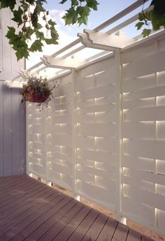 Best Outdoor Privacy Screen Ideas for Your Backyard - Home and Gardens Cheap Privacy Fence, Privacy Fence Designs, Privacy Screen Outdoor, Backyard Privacy, Backyard Fences, Backyard Landscaping, Backyard Ideas, Diy Fence, Garden Privacy