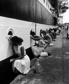 """Confessionnaux . parloirs de prison?  Non, hublots de navire.    Belle image  rabodepeixe:    DEPARTURE OF THE """"AMERIGO VESPUCCI"""", EGYPT, 1963"""