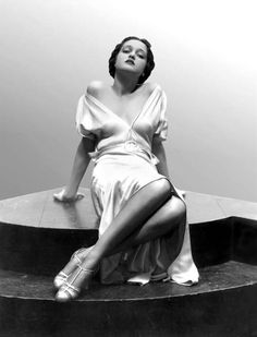 18 year old Dorothy Lamour, by Everett (1933)
