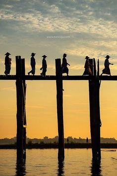 U Bain Bridge ~ Mandalay, Myanmar … A great trip! Myanmar Travel, Burma Myanmar, Asia Travel, Laos, Mandalay, Lago Inle, Vietnam, Thailand, Architectural Columns