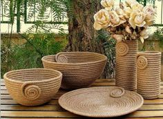 I Heart Organizing: A Darling DIY Rope Basket Jute Crafts, Diy Home Crafts, Diy Home Decor, Sisal, Art N Craft, Diy Art, Rope Art, Rope Basket, Diy Furniture