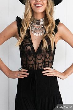 Turn the rock show into bodysuit show. This number is designed with v-neck, sleeveless, hollow out, lace details and with no falsies. Looks killer paired with heels.