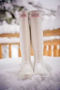 Perfect for a winter bride!! White Hunter Wellingtons #rockmywinterwedding @Derek Imai Smith My Wedding