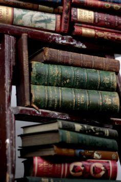 michaelmoonsbookshop:  old books..