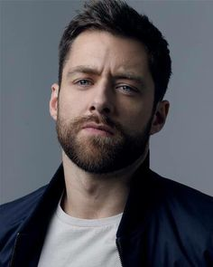 Roger (Richard Rankin)