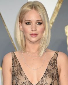 Jennifer Lawrence's Platinum Lob. YAY or NAY? #oscars2016 #jenniferlawrence #thelob #lobhaircut #platinumblonde #oscarsunday #beautytrends #hairideas #torontohair #torontohairstylist #torontomua #torontosalon #torontobeauty #torontofashion #thesix #toronto #stylu #comingsoon
