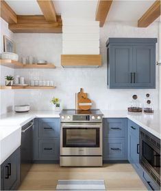 Uplifting Kitchen Remodeling Choosing Your New Kitchen Cabinets Ideas. Delightful Kitchen Remodeling Choosing Your New Kitchen Cabinets Ideas. Interior Design Kitchen, Kitchen Decor, Kitchen Ideas, Kitchen Inspiration, Kitchen Designs, Kitchen Design Classic, House Kitchen Design, Kitchen Runner, Kitchen Trends