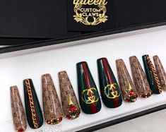 Queen Bee- gel press on nails – louis vuitton nails acrylic Sparkle Nails, Bling Nails, Stiletto Nails, Swag Nails, My Nails, Cute Nails, Pretty Nails, Louis Vuitton Nails, Manicure E Pedicure