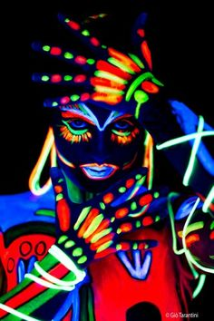 Fluo body painting More
