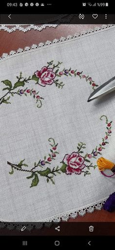 Cross Stitch Heart, Cross Stitch Borders, Cross Stitch Flowers, Cross Stitch Designs, Owl Quilt Pattern, Quilt Patterns, Cross Stitch Embroidery, Embroidery Patterns, Crochet Bedspread