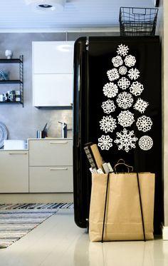 Tuulentupa. Joulupuu jääkaapin kyljessä Christmas Mood, White Christmas, Xmas, Christmas Decorations, Collage, Crafts, Feelings, Home Decor, Winter