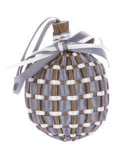 Grey wooden wicker ball from Provence Lavandes featuring a woven grey and white ribbons and it is holding lavender potpourri inside. Lavender Wands, Lavender Crafts, Lavender Wreath, Lavender Garden, Lavender Sachets, Lavender Scent, Lavender Blue, Lavender Fields, Christmas Stall Ideas