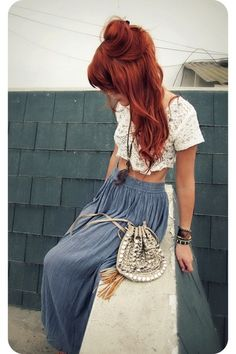 26 Bold and Chic Copper Hair Ideas Hair styles, hair color, hair beauty: _… - Modern Indie Outfits, Red Hair Outfits, Chic Outfits, Fashion Outfits, Grunge Outfits, Cheveux Oranges, Maxi Skirt Crop Top, Maxi Skirts, Sexy Skirt