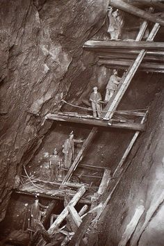 His pictures highlight how the mines were constructed and the precarious-looking wooden beams and ladders installed underground. Rare Flash Photography Shows Cornish Miners In The Toiling Deep Underground Old Pictures, Old Photos, Vintage Photographs, Vintage Photos, Antique Photos, Flash Photography, Inspiring Photography, Photography Tutorials, Beauty Photography