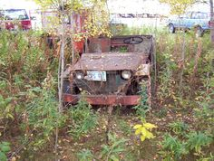 Photo by David Westerberg Vintage Jeep, Old Jeep, Jeep Willys, Rusty Cars, Abandoned Cars, 4x4 Trucks, Barn Finds, Car Car, Old Cars