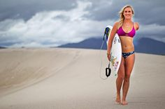 Atleta que perdeu o braço em ataque de tubarão é convidada para Circuito Mundial de Surf Feminino