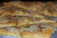 this recipe was a homerun tonight! Keep, keep, keep! from The Sweetest Pear: Cinnamon-Sugar Pizza (want to add to pizza night!)