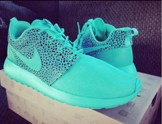 Roshes Nike running shoes :) 2014 Nike shoes has been released. Hot sale with amazing price.Cheapest! -click images to get more #cheap #nike #free