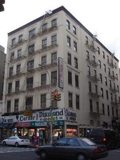 CHEAPEST HOTEL IN NYC  (CRITICISM OF SOCIETY)