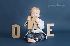 Ihanaa olla vuotias ♥ I Jonna Lentovaara Photography / Ikuistetaan Tunne ♥ lapsikuvaus, lapsivalokuvaus, #lapsikuvaus #studiokuvaus #ikuistetaantunne #oneyearold #firstbirthday #1stbirthday