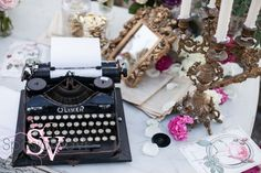 vintage typewriter guest book - weddings in Italy SposiamoVi Wedding Planners