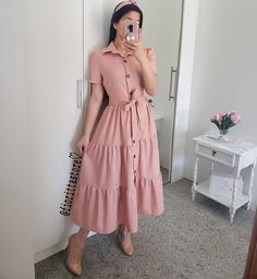 Fashion 2019 New Moda Style - fashion Stylish Dresses For Girls, Modest Dresses, Modest Outfits, Simple Dresses, Classy Outfits, Beautiful Outfits, Casual Outfits, Frock Fashion, Modesty Fashion