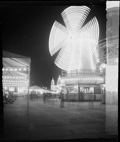 Luna Park lighted windmill, as seen by night in Nov From Series Sydney people & streets, photographed by Brian Bird, Shared by State Library of New South Wales collection. Australian Photography, Dark Photography, Vintage Photography, Parks In Sydney, Sydney Australia, Historical Photos, Night Time, Old Photos, Photo Art