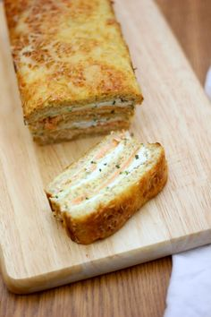 Croque-cake courgette et saumon fumé - Expolore the best and the special ideas about Smoking meat Meat Recipes, Cake Recipes, Cooking Recipes, Cake Courgette, Salmon Croquettes, Fig Cake, Zucchini, Sandwich Cake, Food Cakes