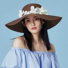 Summer wide brim straw hat with flower UV protection floppy ladies sun hats