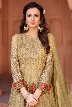 Brilliant net gold floor length anarkali suit for reception and wedding. Designer Anarkali, Designer Gowns, Western Gown Design, Anarkali Suits, Punjabi Suits, Floor Length Anarkali, Indian Gowns, Gold Work, Designer Collection