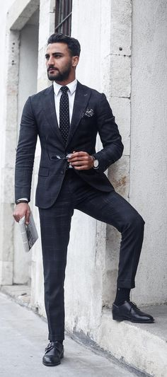 Ultimate Suit Guide For Men. 11 Classy Suit Styling Ideas For Men. 11 Tips To Ace Suit Styling With Ease. Trendy Suit Styling Ideas for Men! Mens Fashion Blog, Tumblr Fashion, Mens Fashion Suits, Mens Suits, Men's Fashion, Fashion Styles, Fashion Clothes, Retro Fashion, Fashion Beauty