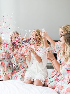 Photography: Elisabeth Carol Floral: Something Pretty Floral Coordination: Chic Fleur Weddings and Events Chargers: Something Pretty Floral Hair and Makeup: The Styling Stewardess Venue: Perkins Chapel | The Room on...