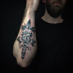 Tattoojoris | Tattoojoris - Tattoojoris dagger rose tattoo
