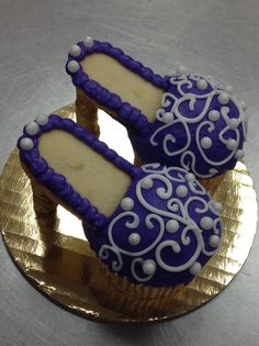 High Heel Cupcakes (Pirouette Cookie for the Heel, Milano Cookie for the Sole Resting on the Cupcake)