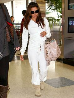 ...but this is my fave eva longoria outfit. She's dressed in a sweat suit and uggs but still looks gorgeous. ugg Cyber Monday View More: www.yi5.org