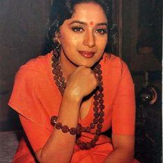 I also want Sanyas. Beautiful Bollywood Actress, Most Beautiful Indian Actress, Beautiful Actresses, Madhuri Dixit Hot, Kareena Kapoor Saree, Guess The Movie, Vintage India, Ethereal Beauty, Beautiful Saree