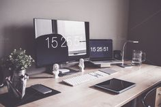 Minimalist Home Office Workspace Desk Setup Take a look at all my photos & design products! Pc Setup, Office Setup, Office Desk, Office Furniture, White Desk Setup, Club Furniture, Mini Office, Small Office, Paint Furniture
