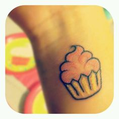 I really want a cute wee tat like this on my finger. Maybe with teal or something in the icing...