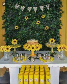 Festa de girassol💛🌻 Sunflower Birthday Parties, Sunshine Birthday Parties, Sunflower Party, 18th Birthday Party, 1st Boy Birthday, Sixteenth Birthday, Graduation Party Decor, Birthday Party Decorations, Baby Girl Shower Themes
