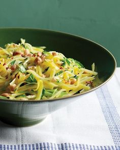 Green Mango Salad Recipe - so good.  added some shredded chicken breast to make for a heartier lunch. delish.