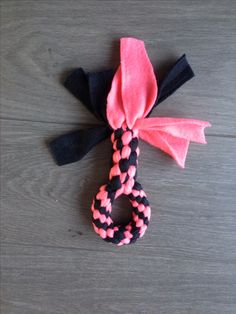 Diy dog toy fleece Best Picture For Dog Toys for chewers For Your Taste You are looking for somethin Diy Dog Toys Fleece, Diy Cat Toys, Pet Toys, Puppy Obedience Training, Training Your Puppy, Training Dogs, Dog Training Methods, Dog Training Techniques, Homemade Dog Toys