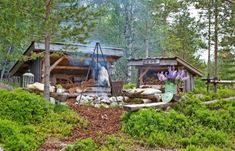 GREAT ATMOSPHERE: After the bivouac and the fireplace was completed, experienced family that it could be fine with a smaller shelter for storing firewood. Outdoor Spaces, Outdoor Living, Outdoor Decor, Outdoor Shelters, Bothy, House Deck, Garden Buildings, Interior Garden, Pergola Designs