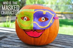 Easy Hand-painted decorated pumpkins | Club Chica Circle - where crafty is contagious
